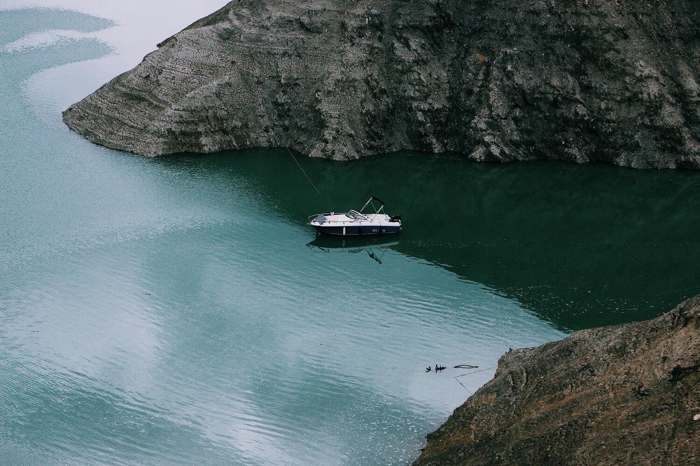 adventure-boat-daylight